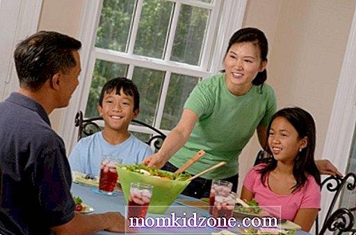 Kategori kesihatan & kesihatan:   Cara Menurunkan Berat Makan Makanan Sama seperti Keluarga Anda